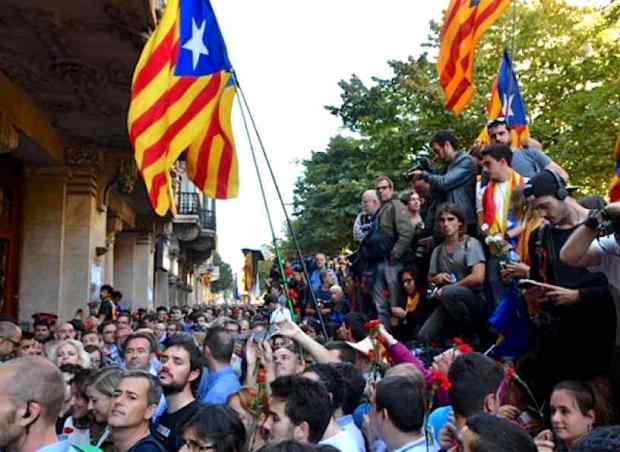 Espagne Catalogne manifestation arrestation membres gouvernement catalan 20sept2017