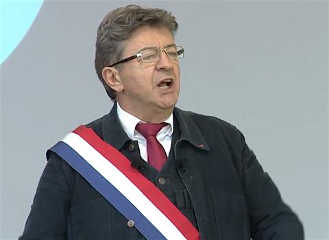 20 mai 2018 – Invité du Grand Jury RTL-Le Figaro-LCI, J.L. Mélenchon déclare: «<em> Je milite pour une forme d'unité populaire qui décloisonne le syndicalisme, la politique et le monde associatif  (…) Le 26 mai, nous voulons obtenir que M. Macron comprenne qu'il faut en finir avec la réforme de la SNCF, du service public et de l'hôpital </em>», a-t-il poursuivi, ajoutant « <em>qu'à travers ce type de démarche (…) nous essayons de construire une majorité d'idée, de programme entre des forces sociales et politiques.</em>»