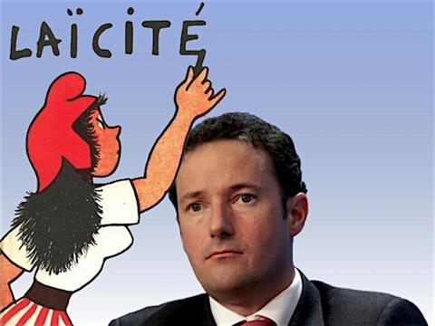22 février 2018 – Le ministère de l'Intérieur a commandé au préfet Clavreul, proche de Manuel Valls, un état des lieux intitulé «<em>Laïcité, valeurs de la République et exigences minimales de la vie en société</em>», qui avance plusieurs mesures choc. Ce rapport remis au gouvernement et révélé par <em>le Figaro</em> fait polémique.
