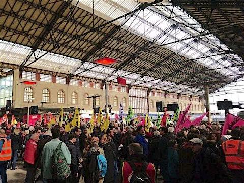 SNCF soutien cheminots gare St Charles Marseille